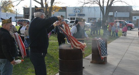 111013-flag-burning2