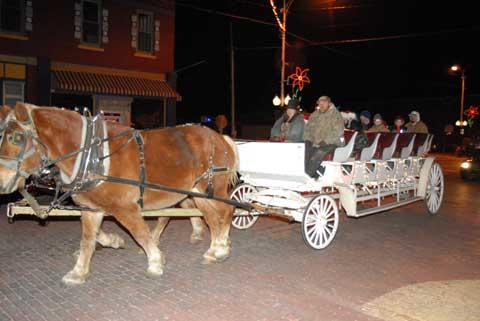 120713-bgame-parade-wagon