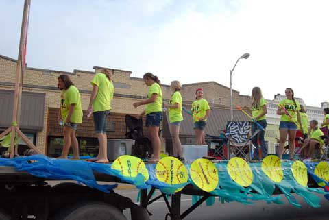 062714-oc-parade-4th-float