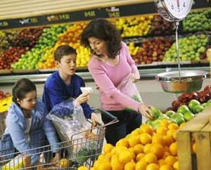 062814-eat-well-shopping_6