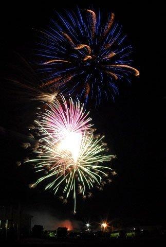070414-overbrook-fireworks2