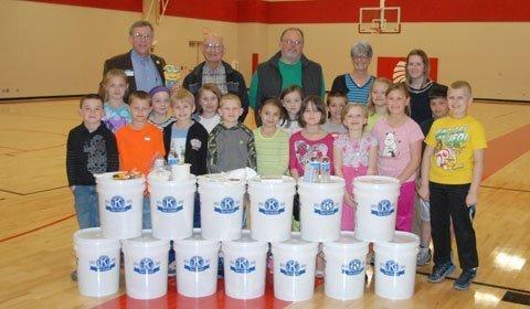 032415-kiwanis-buckets