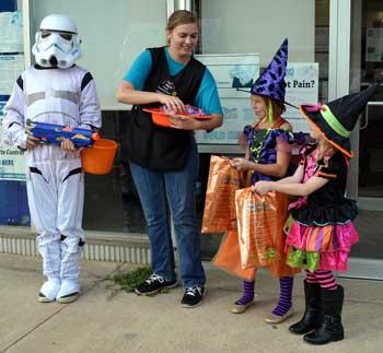 103116-halloween-parade-osa
